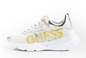 Zapatilla Guess suela blanca logo amarillo natural