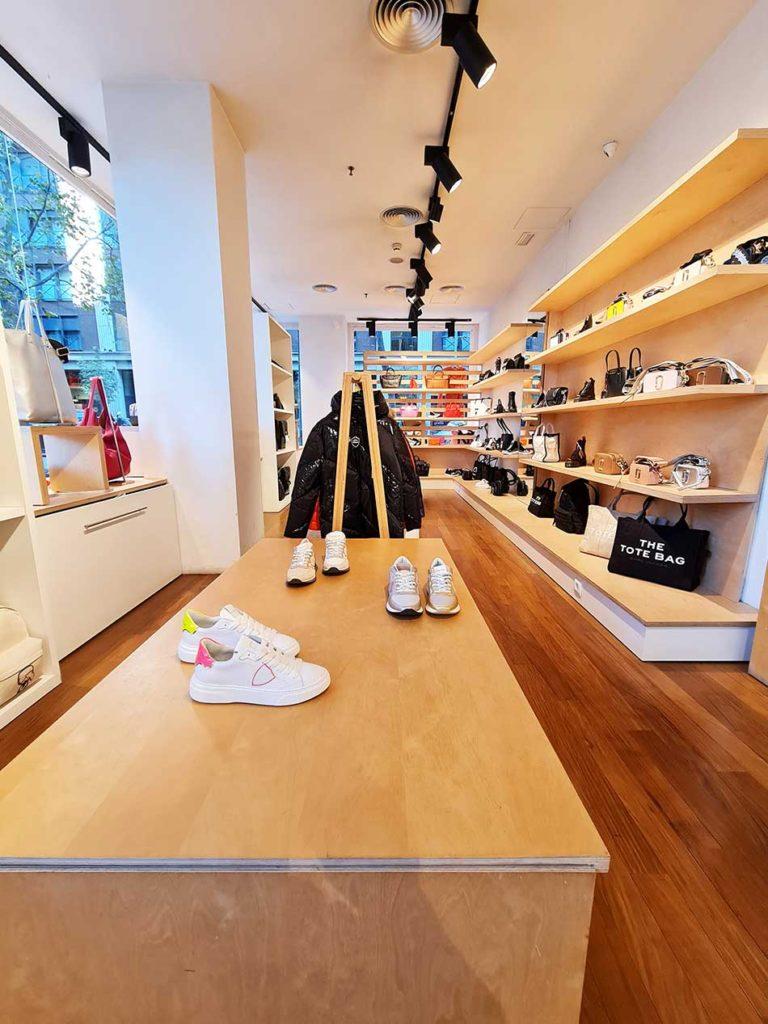 tienda de bolsos y calzado